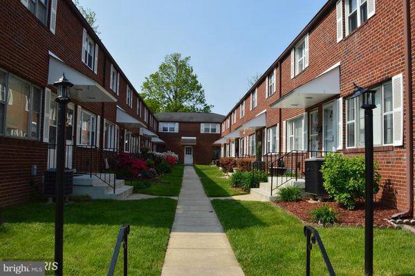 Parkview Court Condominiums