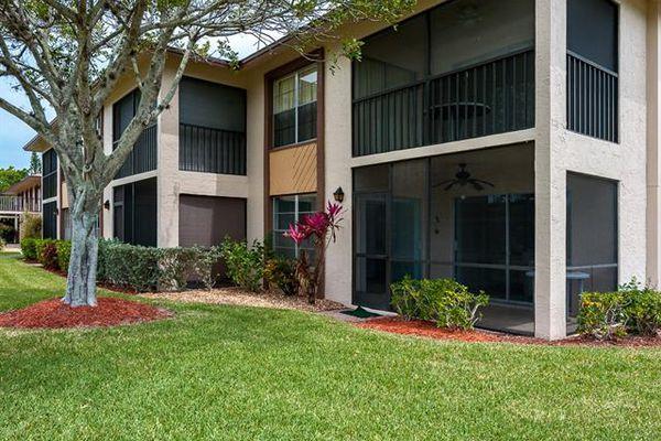 Davis Woods Condominiums