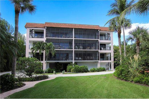 Shorewood Of Sanibel Condominiums