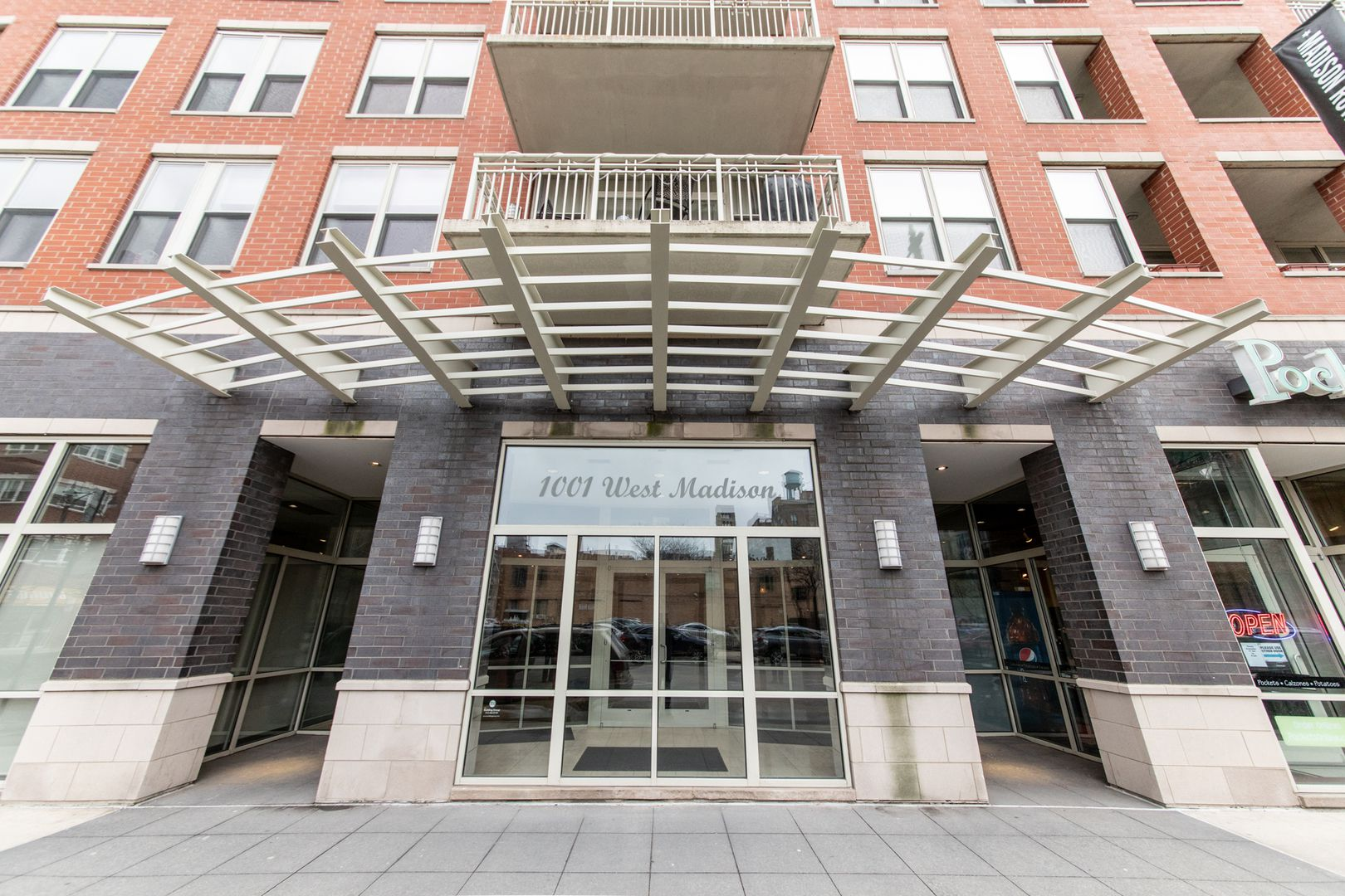 1001 W Madison Street 302