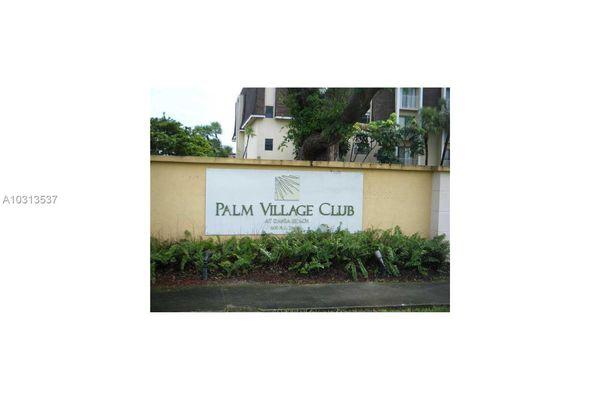 Palm Village Club