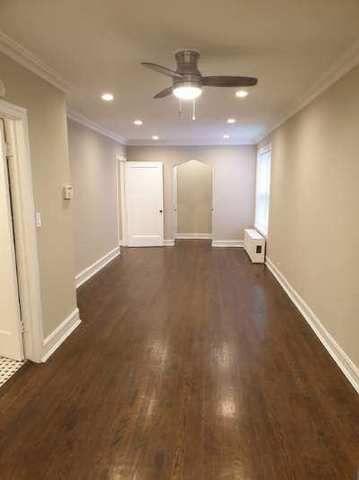 1226 W Jarvis Avenue 1W