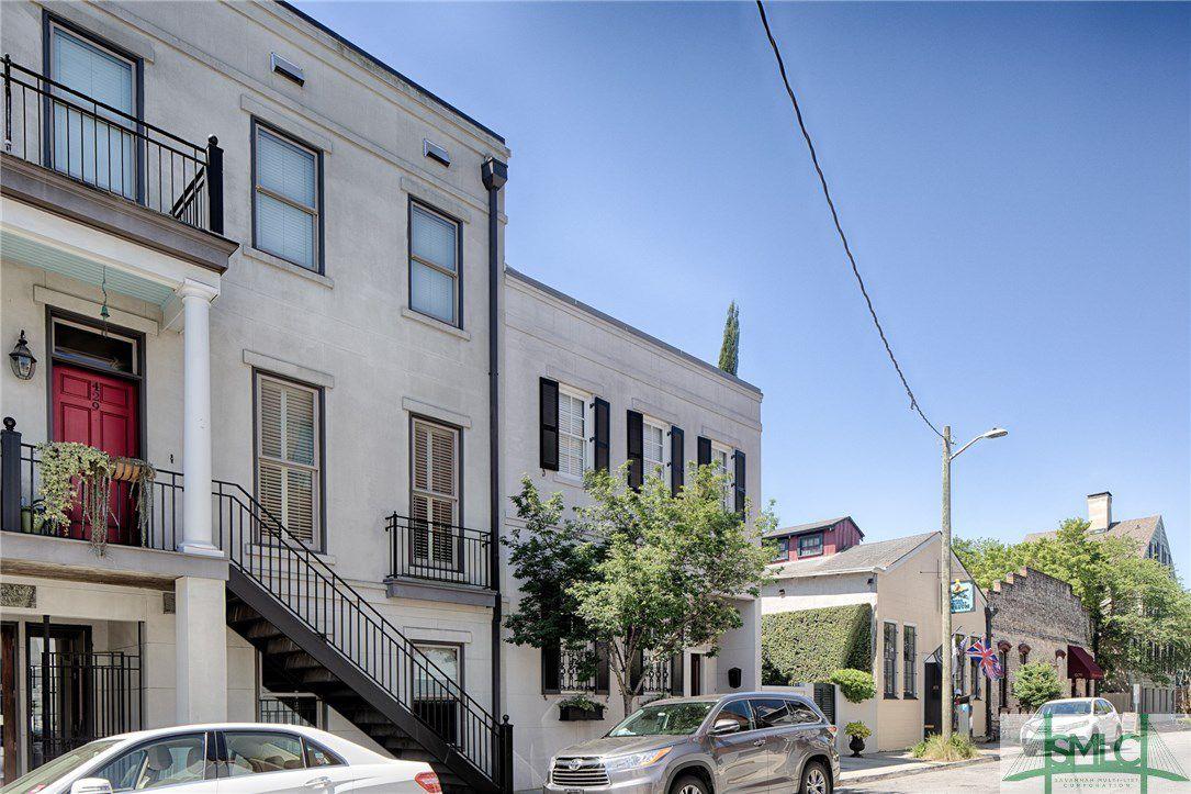 429 E York Street