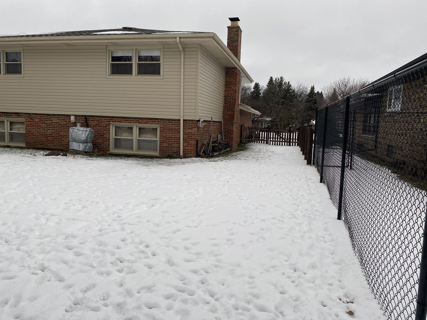 6219 W 124th Place