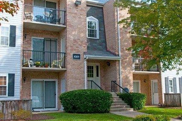Flower Hill Condominiums