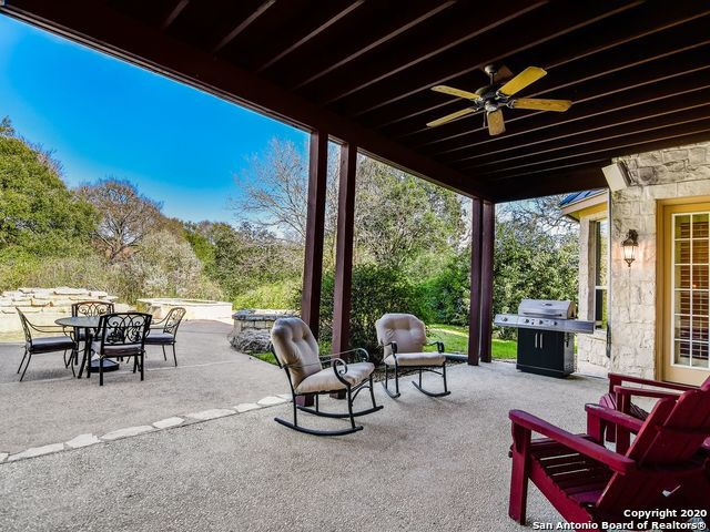 215 Hill Country Ln