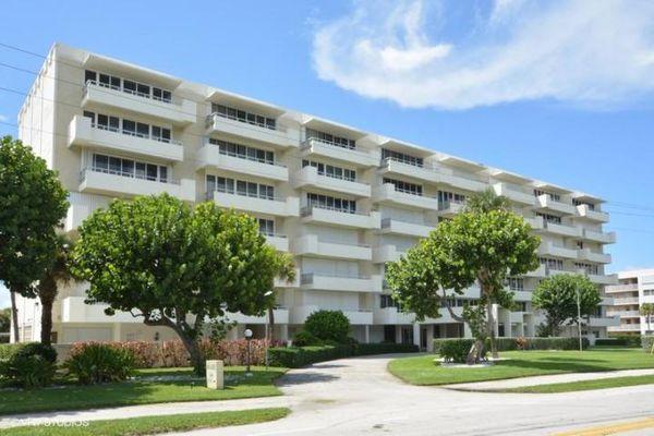 Boca Reef Condominiums
