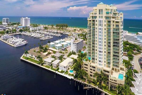 Harbourage Place Condominiums
