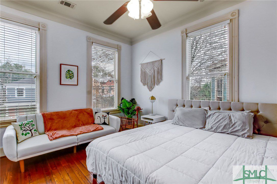 2203 Barnard Street