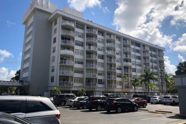 Gateway House Condominiums