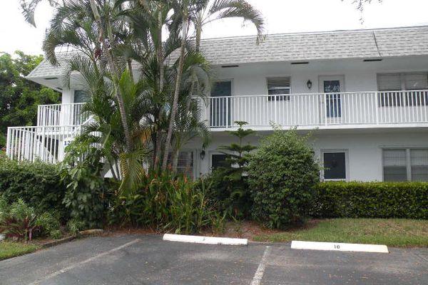 Cedar Pointe Village Condominiums