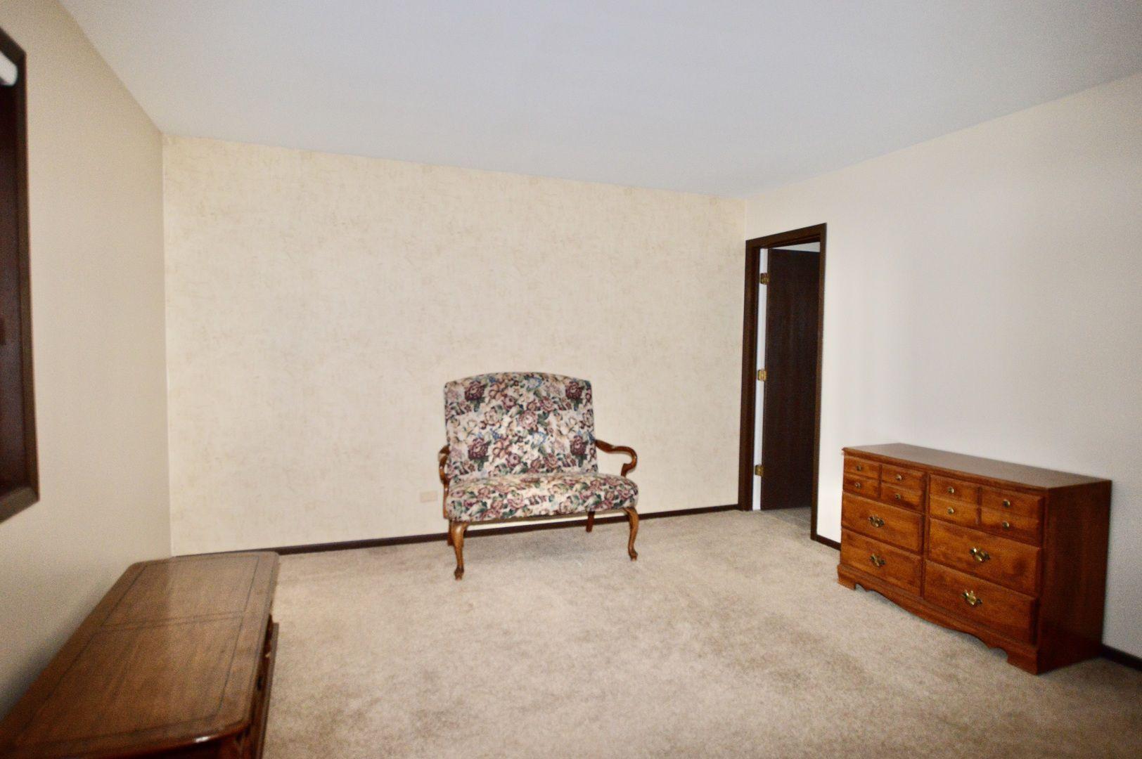 4905 W Oakwood Drive C