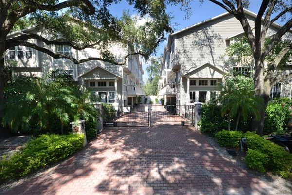 Palm Place By Bayshore Condominiums