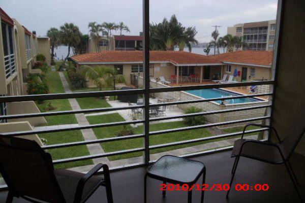 Ken Lee Gardens Condominiums