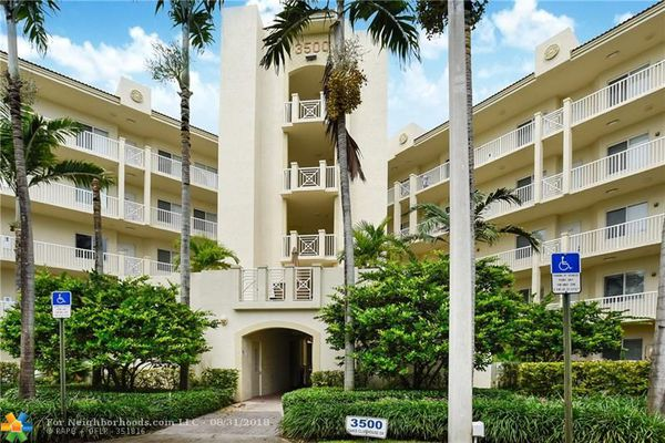 Royal Pointe At Palm Aire