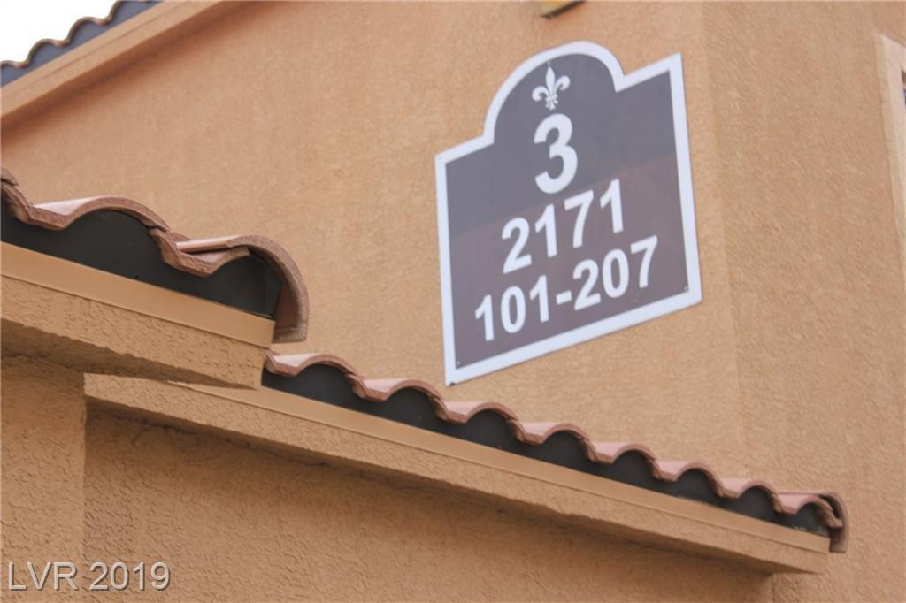 2171 Hussium Hills Street 202