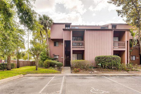 One Thousand Oaks Condominiums