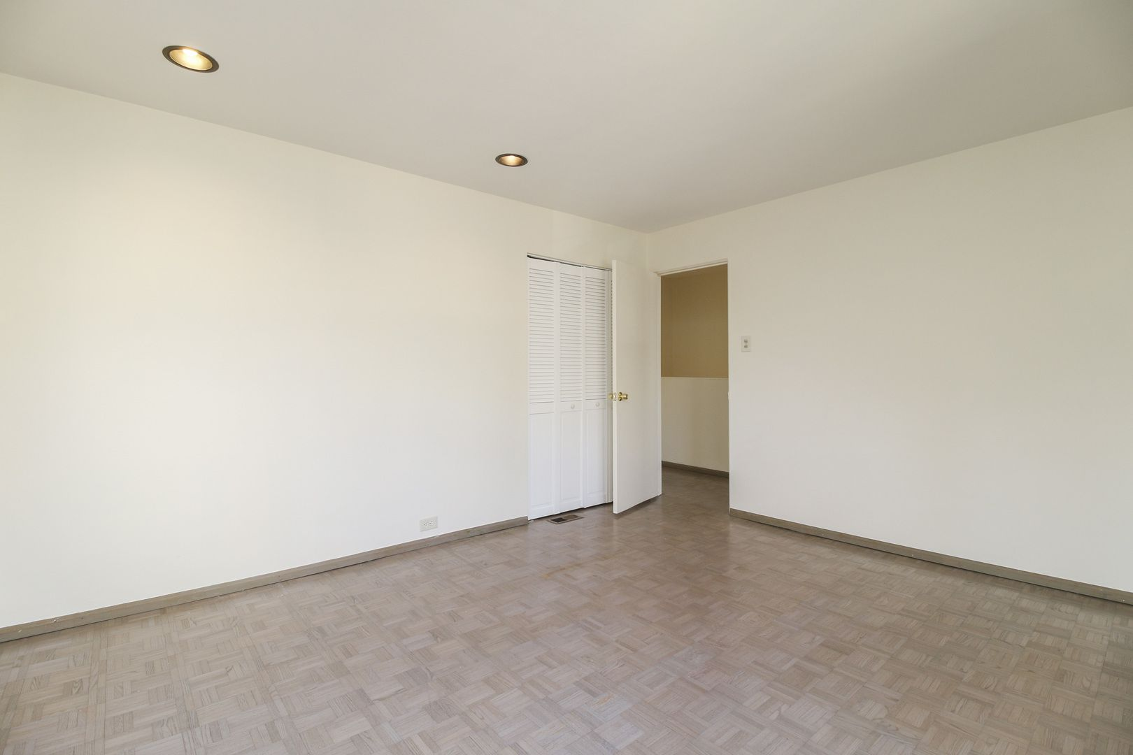 3536 N Pine Grove Avenue