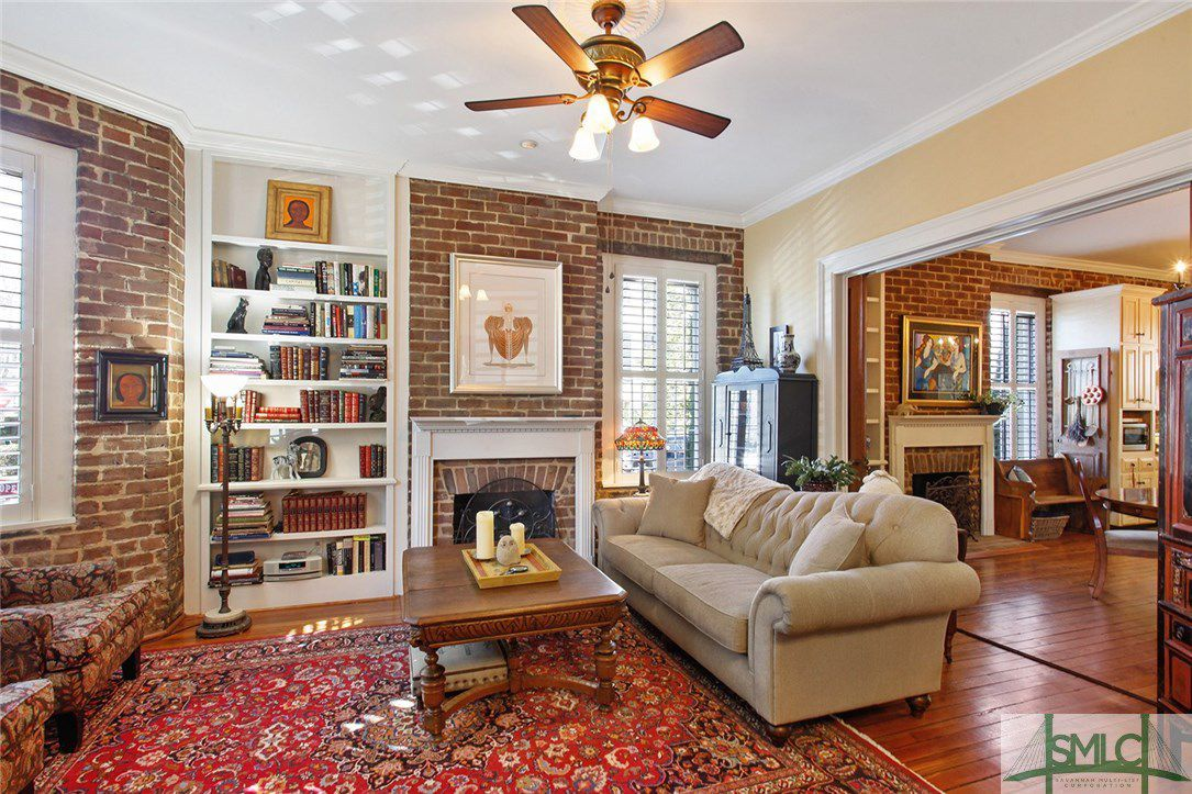 218 W Huntingdon Street