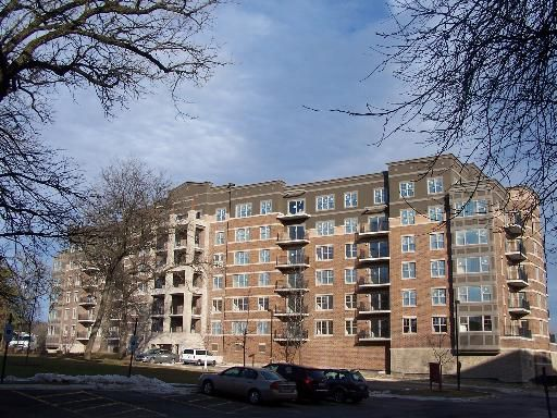 125 Lakeview Drive 312