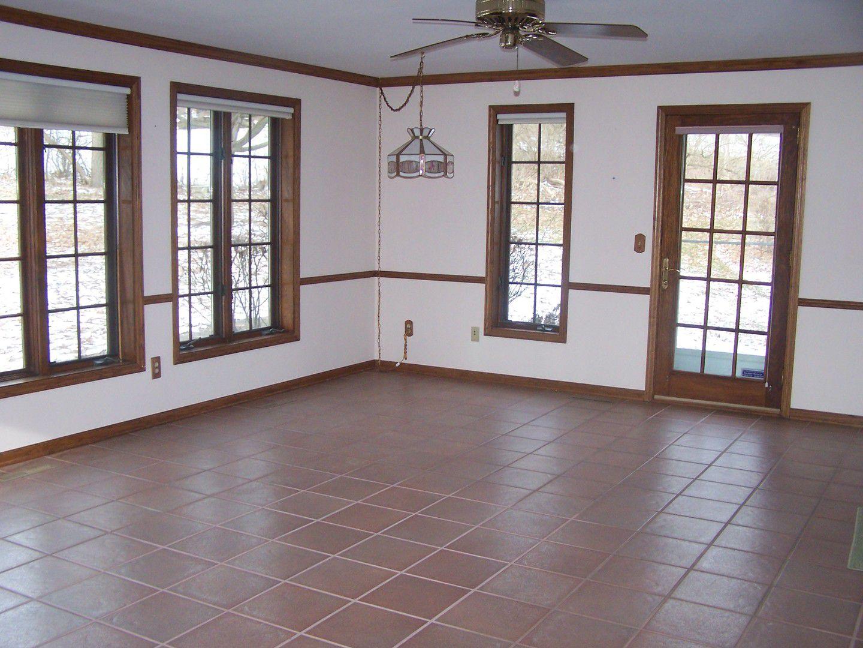 1209 Pin Oak Court