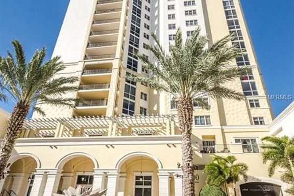 Parkshore Plaza Condominiums