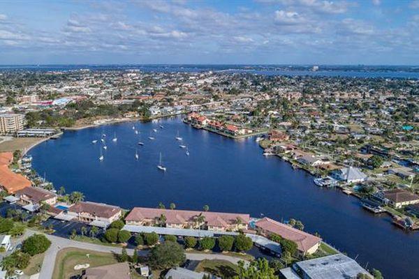 Horizon Bay Condominiums