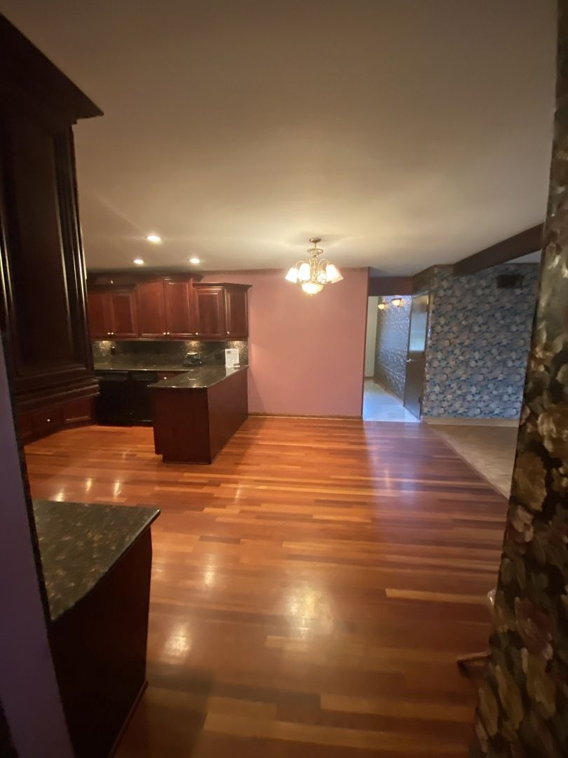 6215 W 124th Place