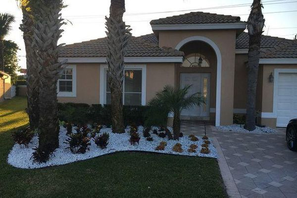 Grande Palms