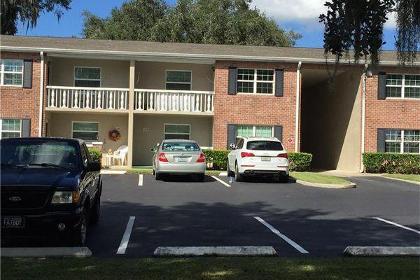 Lakeside Manor Apartments Condominiums