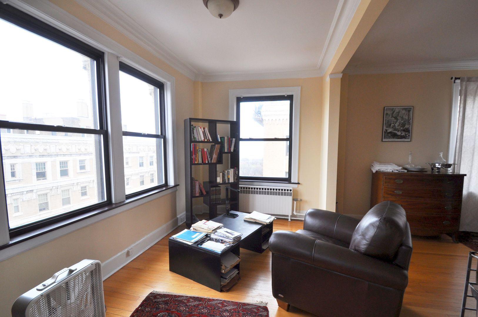 1755 E 55th Street 1201