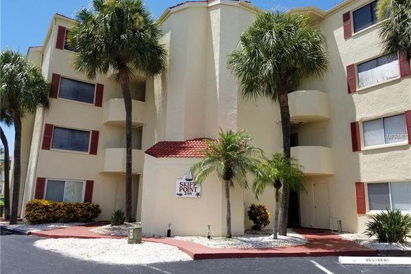 Skiff Point Condominiums