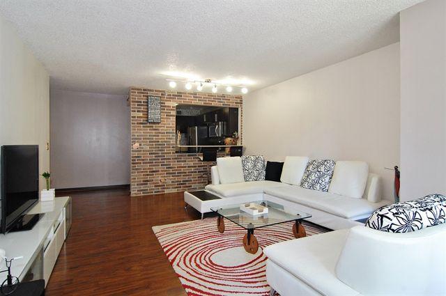 200 N Dearborn Street 906
