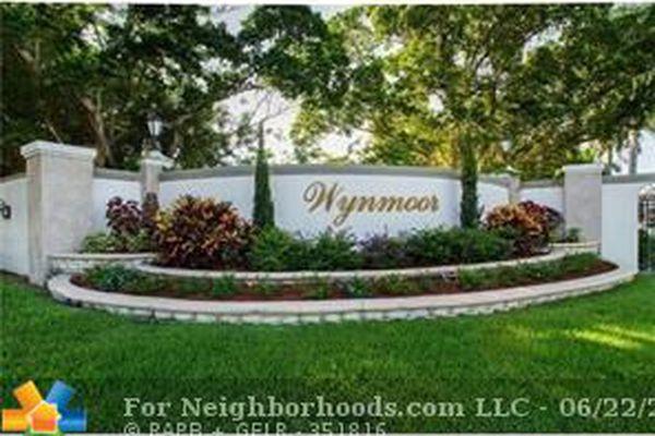 Wynmoor Bahama Village