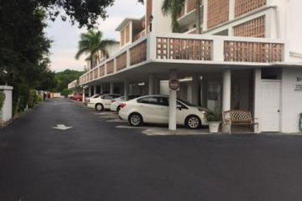 Palm Royal Apartments