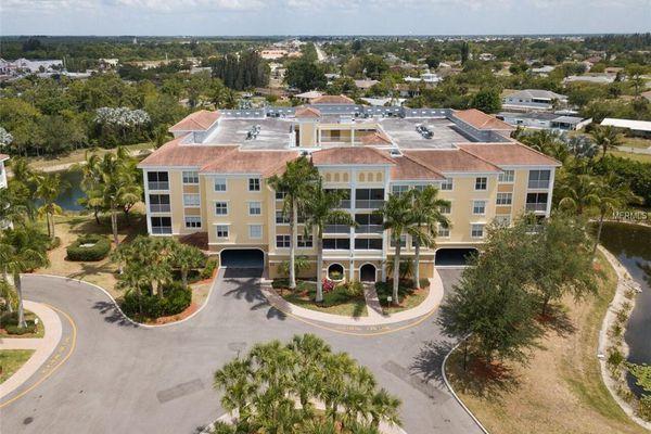 Fountain Court Condominiums