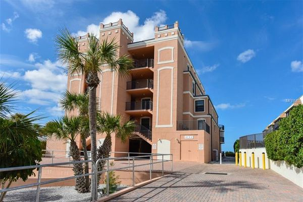 Gulf Breeze Condominiums