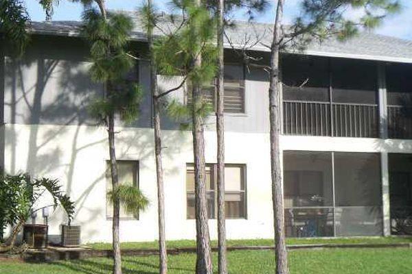 Fairway Palms Condominiums