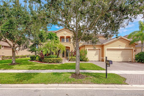Isles At Weston - Weston, FL Homes for Sale & Real Estate | neighborhoods .com