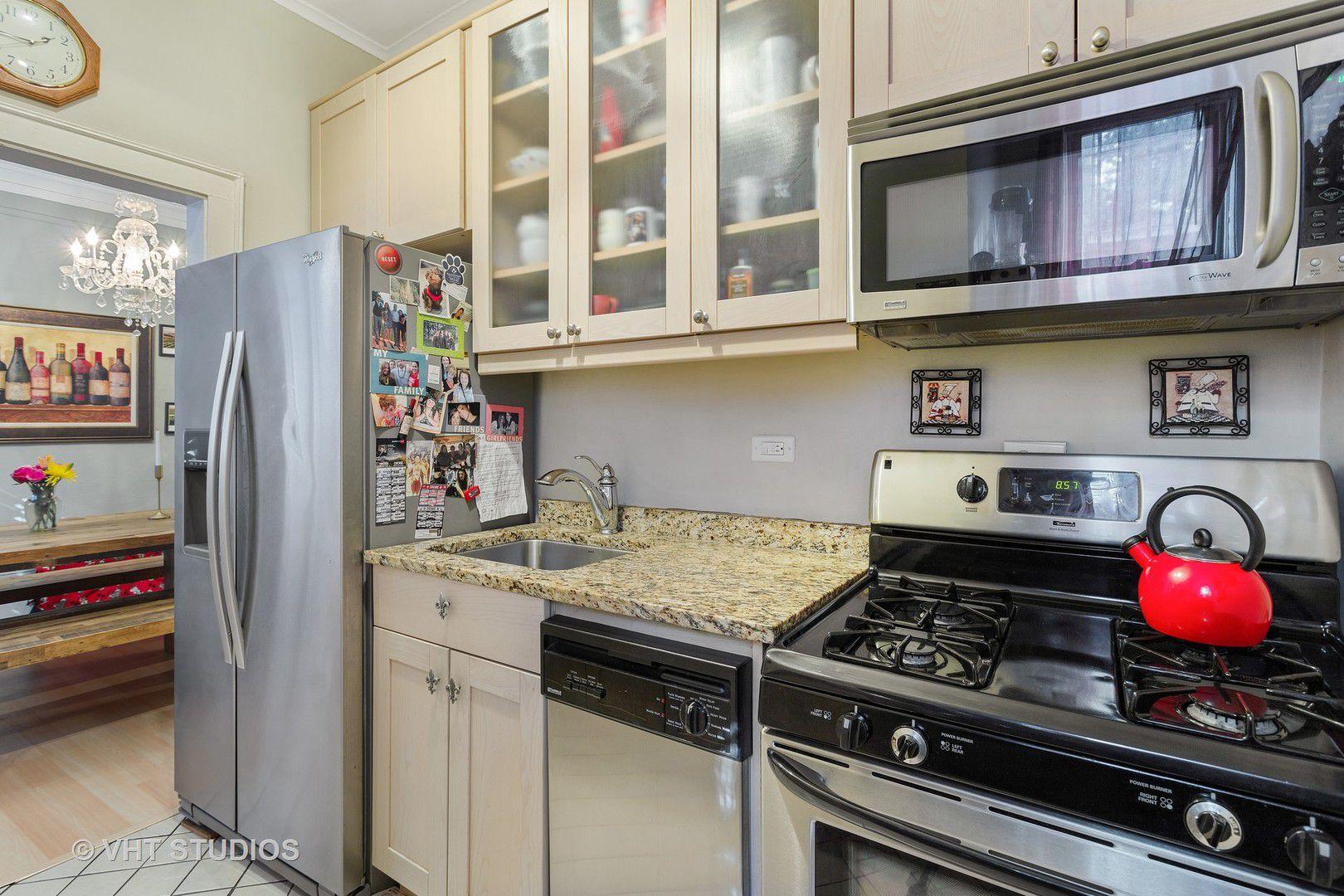 2726 N Pine Grove Avenue G