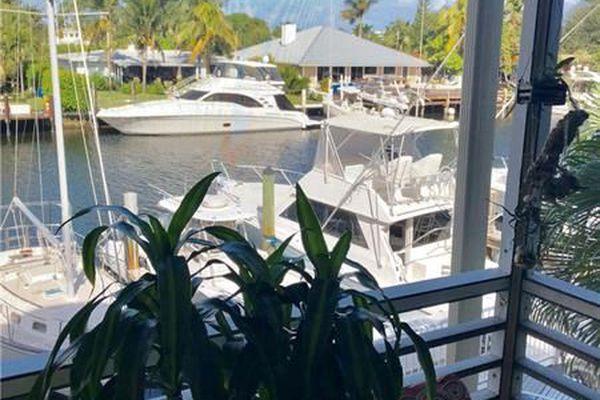 Harbor View Apartments Condominiums
