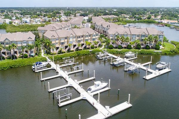 Spinnaker Cove Townhomes