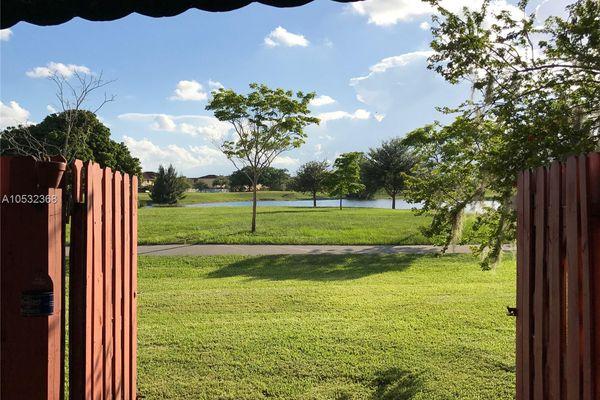 Bonita Golf View Townvill