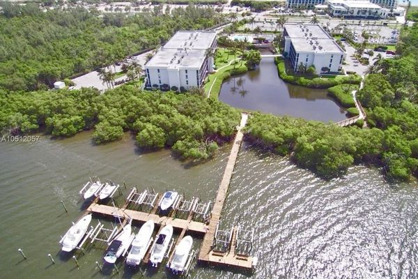 Green Turtle Cove Condominiums