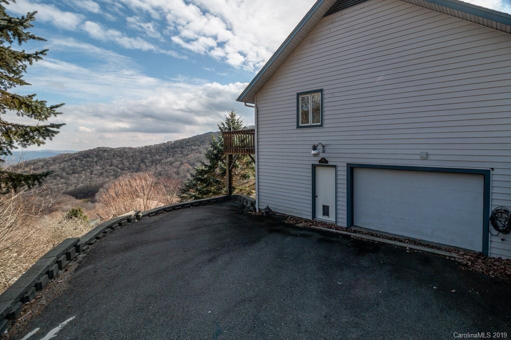 389 Skiview Road