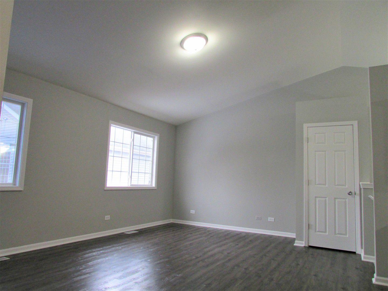24565 W Hawthorne Drive