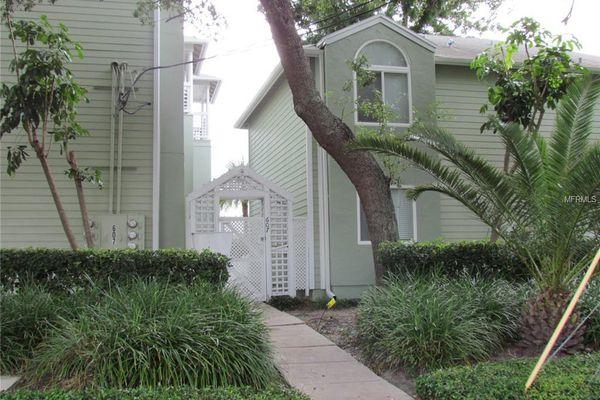 Albany Place Condominiums