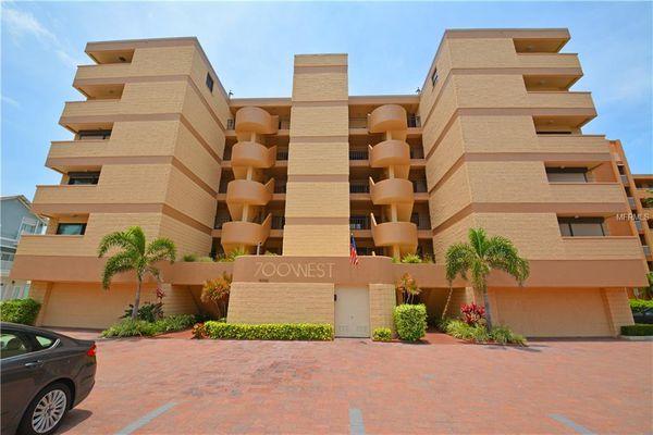 700 West Condominiums