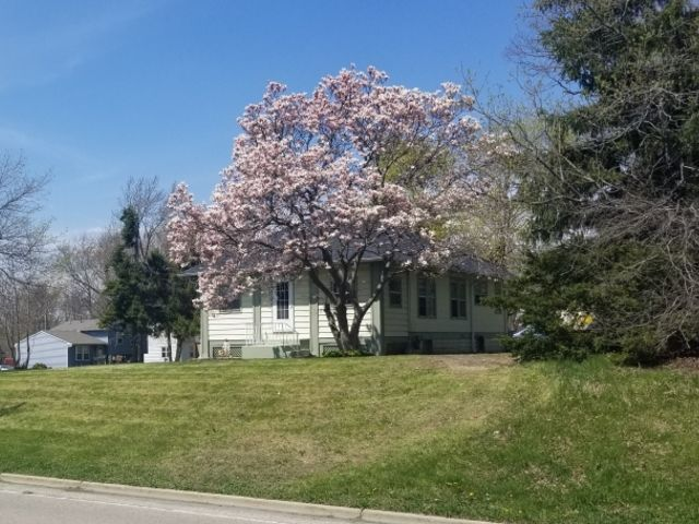 1216 W York House Road