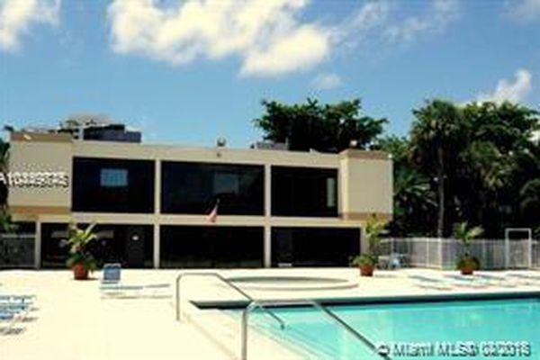 Villa Dorada Condominiums